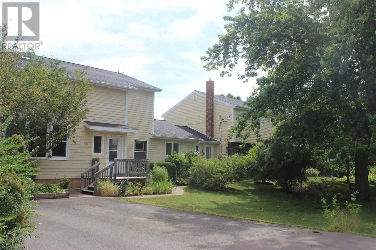 44 - 46 Parkside Drive, Charlottetown   Image 2