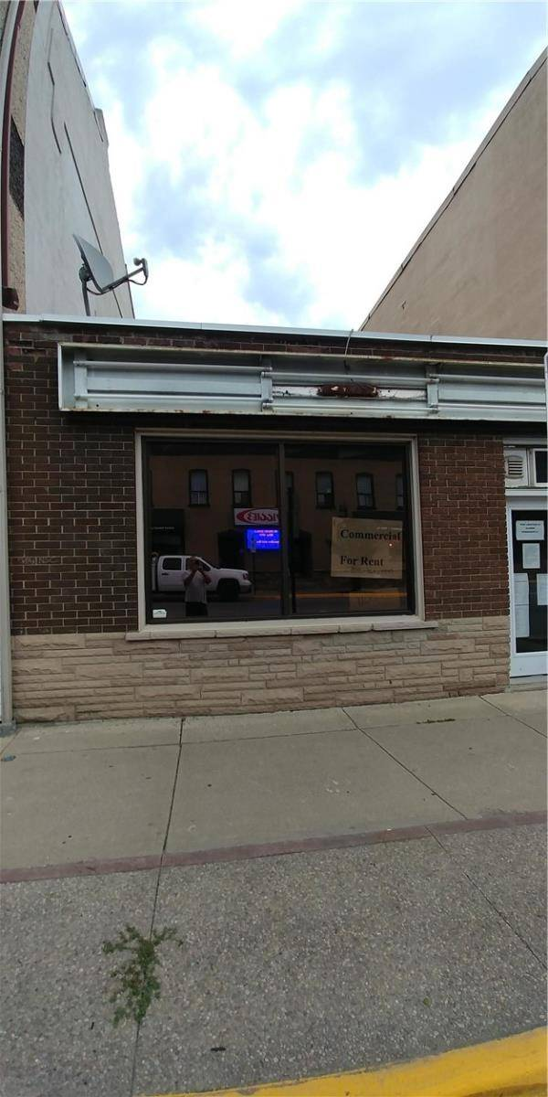 Commercial property for lease at 44 Argyle St N Caledonia Ontario - MLS: H4065402