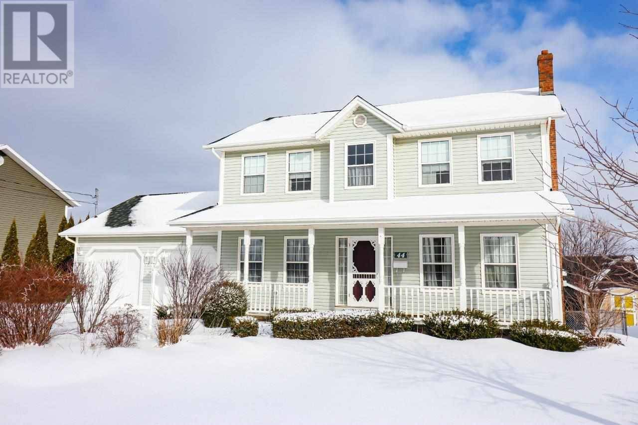 House for sale at 44 Braemore Ave West Royalty Prince Edward Island - MLS: 202000708