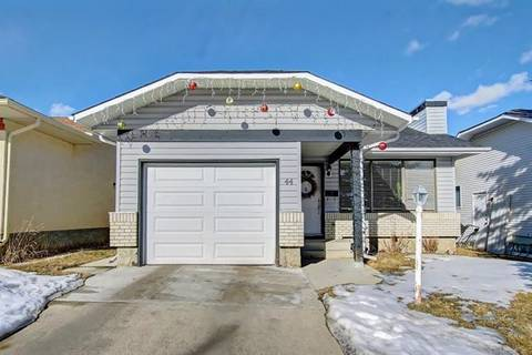 House for sale at 44 Cedargrove Rd Southwest Calgary Alberta - MLS: C4288714