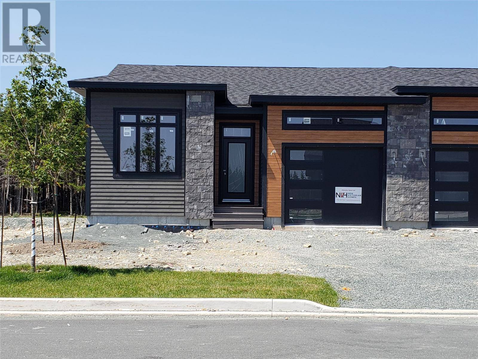 House for sale at 44 Clifden Woods Pl St. John's Newfoundland - MLS: 1209861
