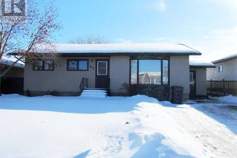 House for sale at 44 Dunfield Cres Meadow Lake Saskatchewan - MLS: SK785581