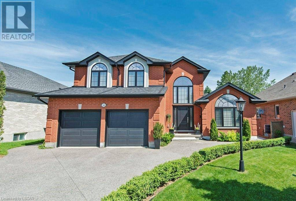 House for sale at 44 Fitzwilliam Blvd London Ontario - MLS: 240530