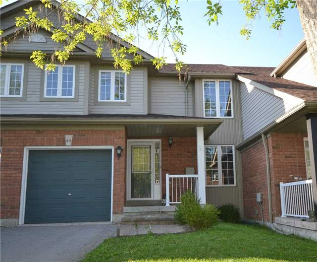 For Sale: 44 Glasgow Crescent, Georgina, ON   3 Bed, 2 Bath Townhouse for $518,800. See 14 photos!