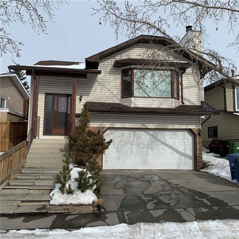 House for sale at 44 Hawkcliff Wy Northwest Calgary Alberta - MLS: C4288577