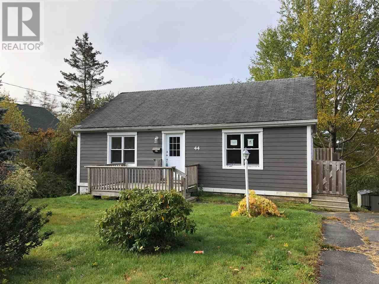 House for sale at 44 Hillside Ave Lower Sackville Nova Scotia - MLS: 201925145