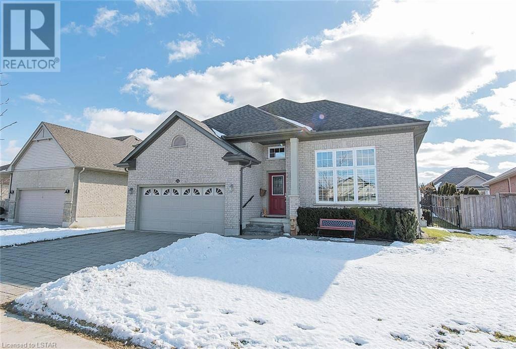 House for sale at 44 Hummingbird Ln St. Thomas Ontario - MLS: 245493