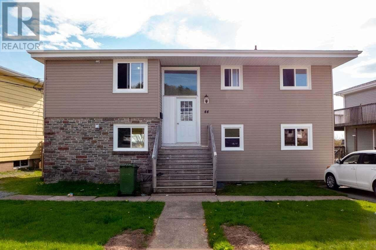 Townhouse for sale at 44 Kennedy Dr Dartmouth Nova Scotia - MLS: 202008565