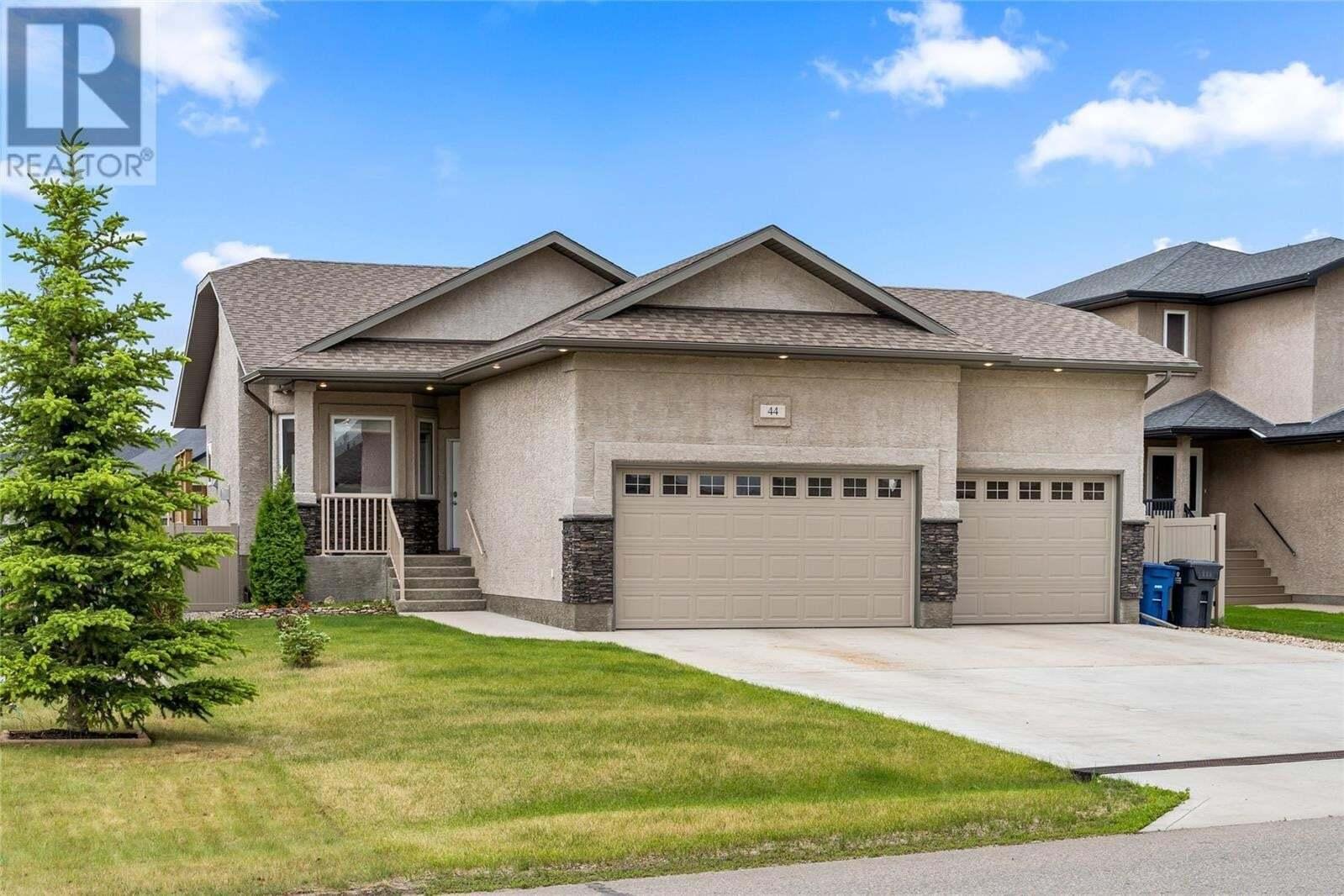 House for sale at 44 Lott Rd E White City Saskatchewan - MLS: SK813844