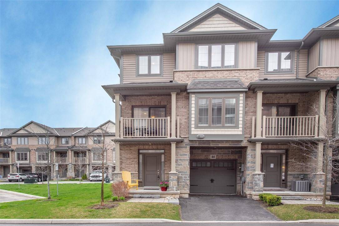 Townhouse for sale at 44 Southshore Cres Stoney Creek Ontario - MLS: H4077239