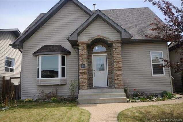 House for sale at 44 Taylor Dr Lacombe Alberta - MLS: CA0190072
