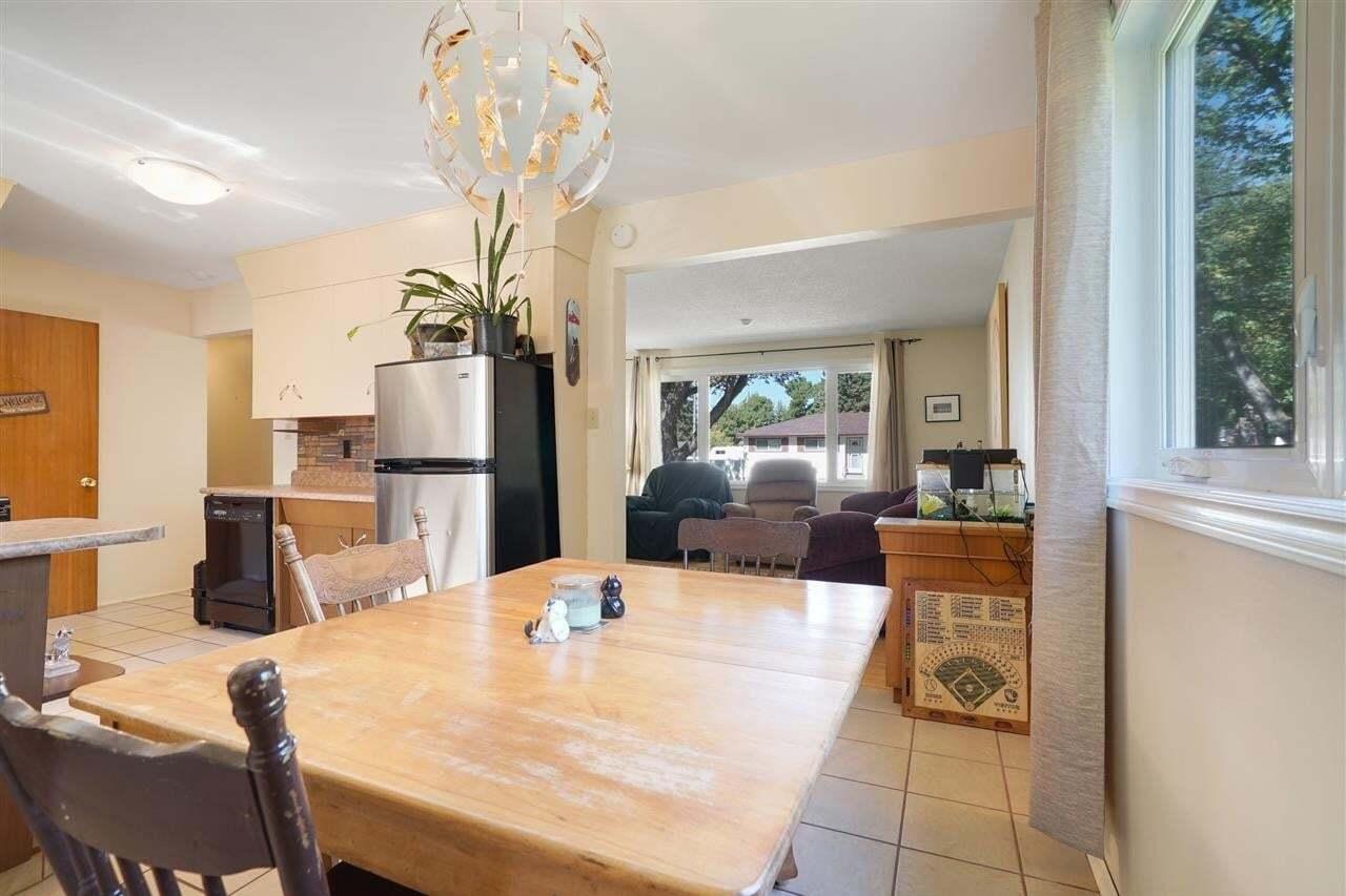 House for sale at 4403 120 Av NW Edmonton Alberta - MLS: E4214595