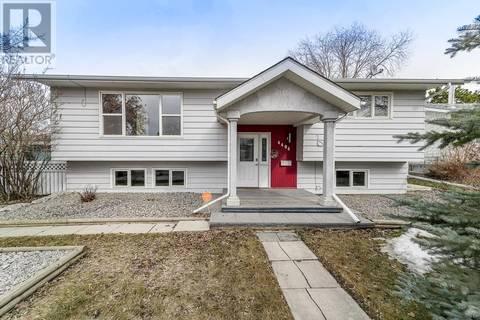 House for sale at 4404 49 Ave Sylvan Lake Alberta - MLS: ca0161427