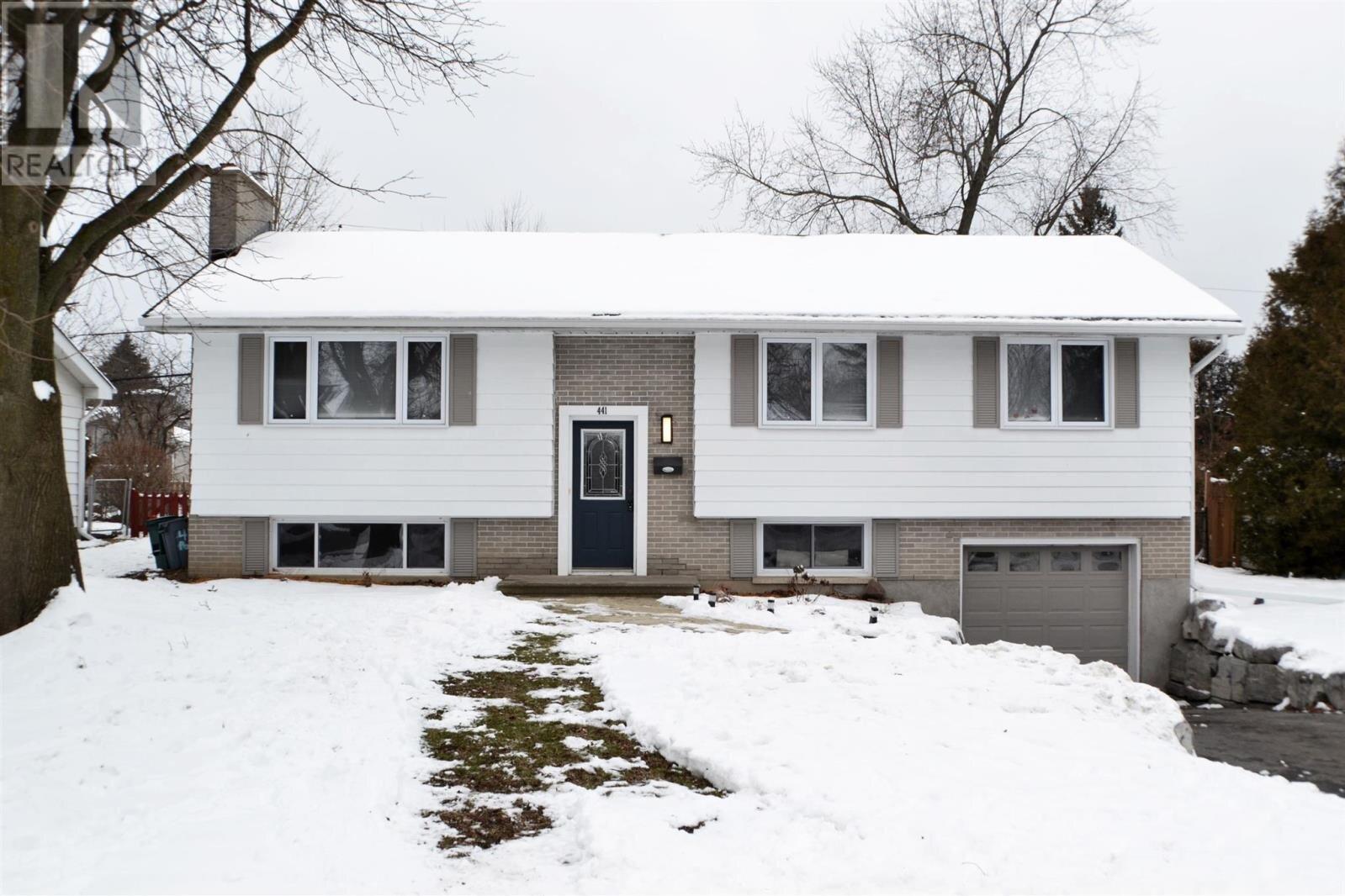House for sale at 441 Parkview Dr Kingston Ontario - MLS: K21000135