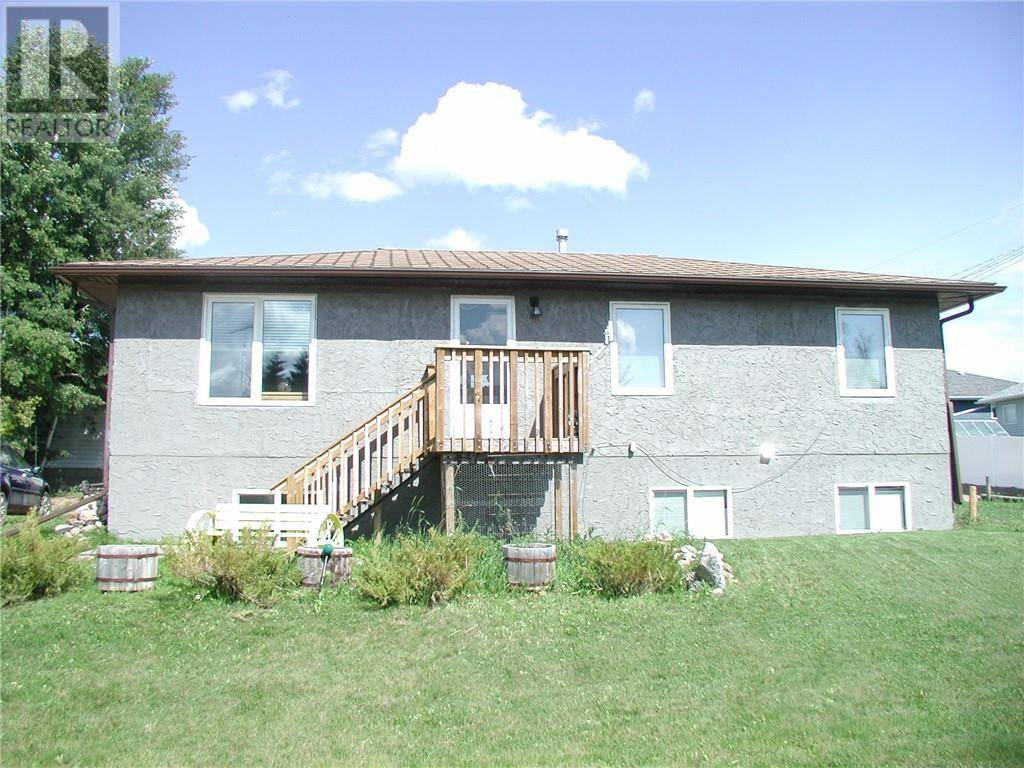 House for sale at 441 Queen St Elnora Alberta - MLS: ca0171854