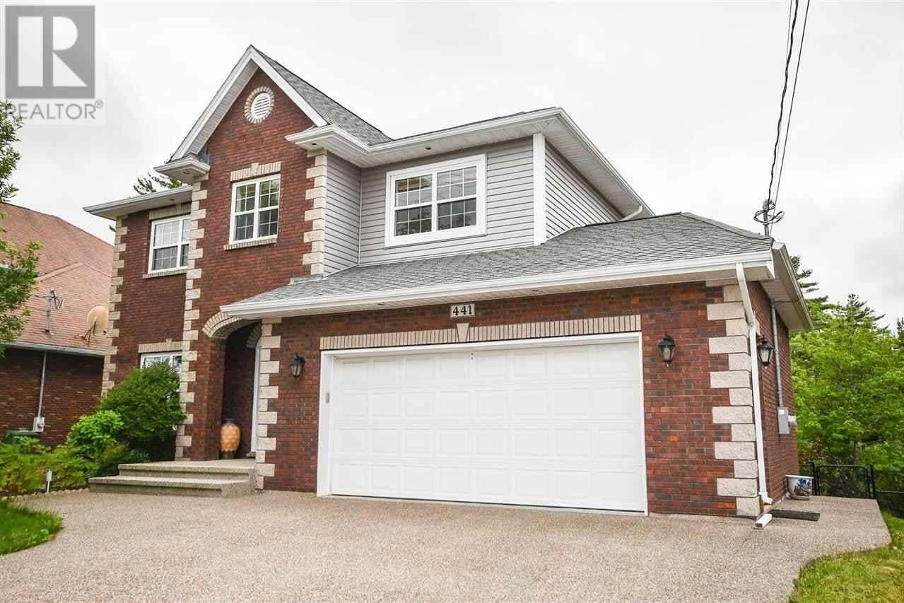 House for sale at 441 Southgate Dr Bedford Nova Scotia - MLS: 202012499