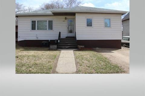 House for sale at 442 5th St Weyburn Saskatchewan - MLS: SK783190