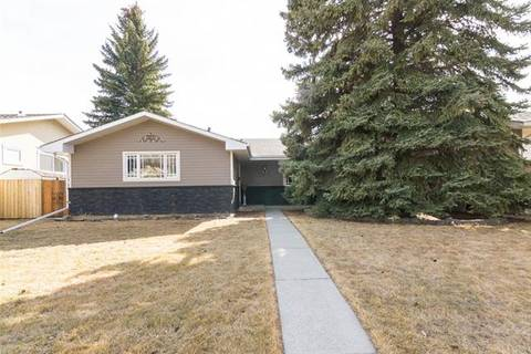 House for sale at 4423 Dalhart Rd Northwest Calgary Alberta - MLS: C4237478