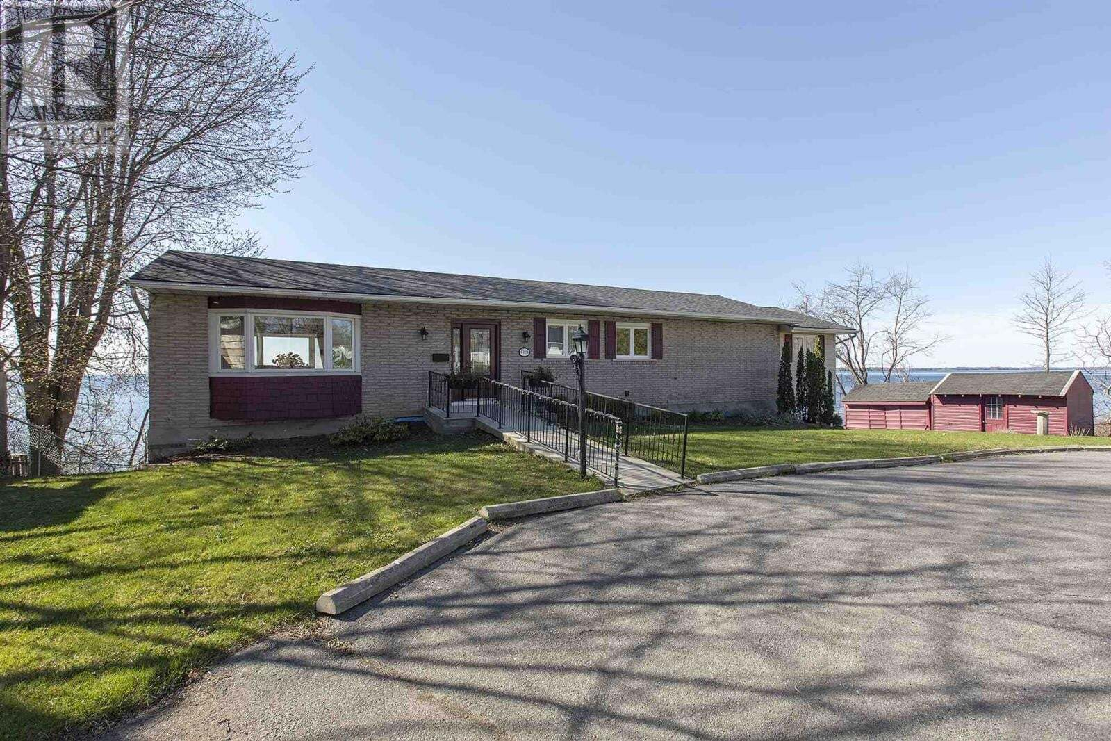 House for sale at 4424 Bath Rd Amherstview Ontario - MLS: K20002265