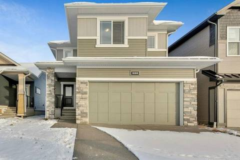 444 Chinook Gate Square, Airdrie   Image 2