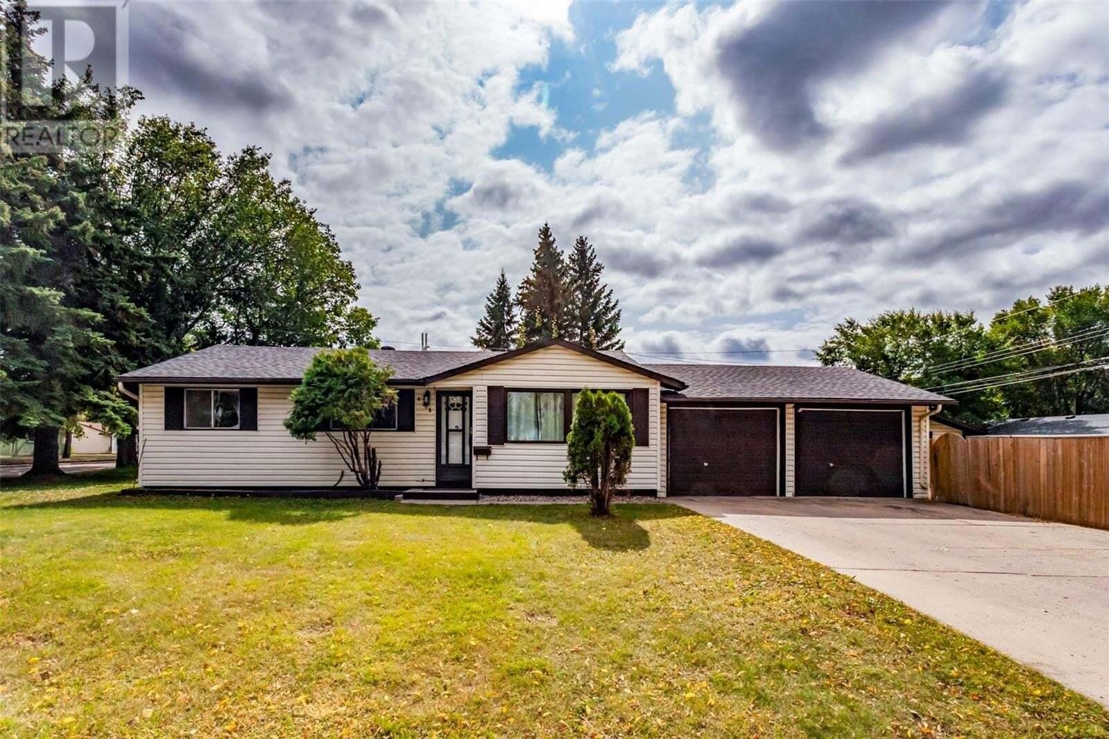House for sale at 445 X Ave N Saskatoon Saskatchewan - MLS: SK826043