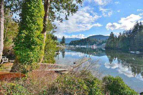 House for sale at 4453 Francis Peninsula Rd Madeira Park British Columbia - MLS: R2443665
