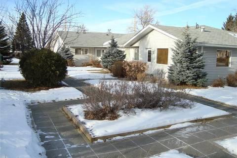 Townhouse for sale at 4464 Price Ave Gull Lake Saskatchewan - MLS: SK796378