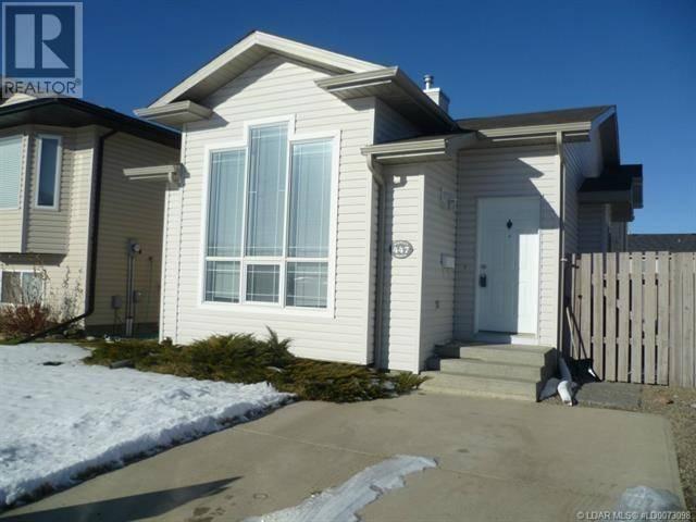 House for sale at 447 Blackfoot Manr W Lethbridge Alberta - MLS: ld0184250