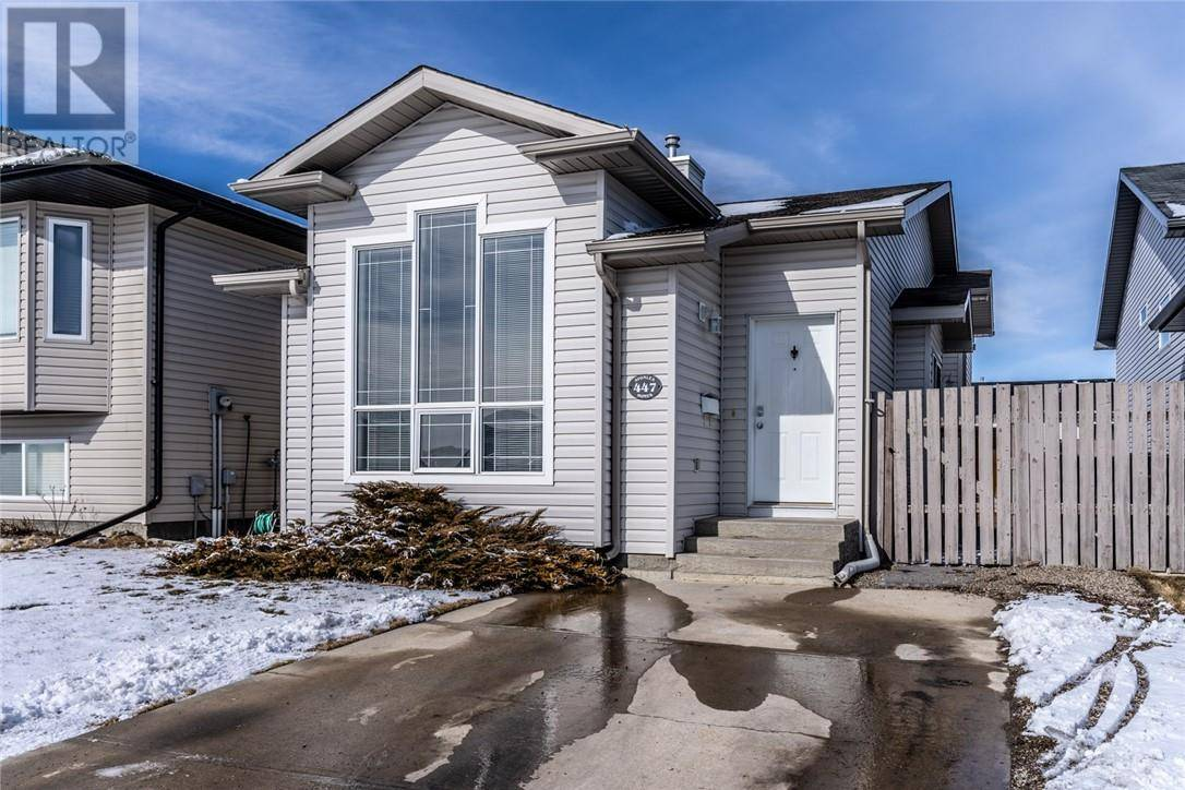 House for sale at 447 Blackfoot Manr W Lethbridge Alberta - MLS: ld0190451