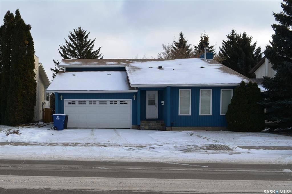 House for sale at 447 Kingsmere Blvd Saskatoon Saskatchewan - MLS: SK791258