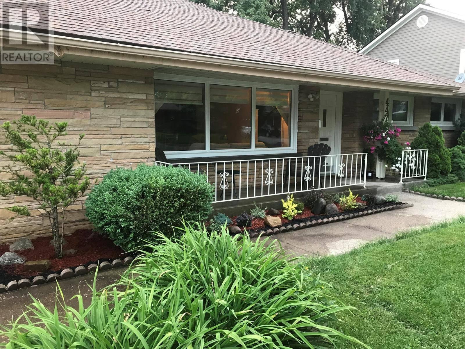 House for rent at 447 Matthew Brady  Windsor Ontario - MLS: 20001636