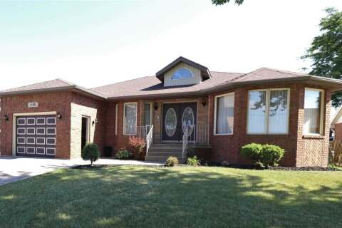 Home for sale at 448 Oak St Leamington Ontario - MLS: X4845757