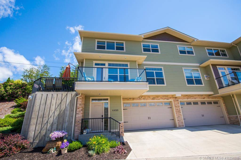 Townhouse for sale at 4480 14 St Northeast Salmon Arm British Columbia - MLS: 10194888
