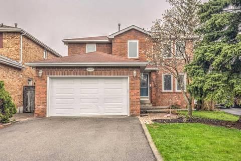 House for sale at 4489 Tavistock Ct Mississauga Ontario - MLS: W4438102