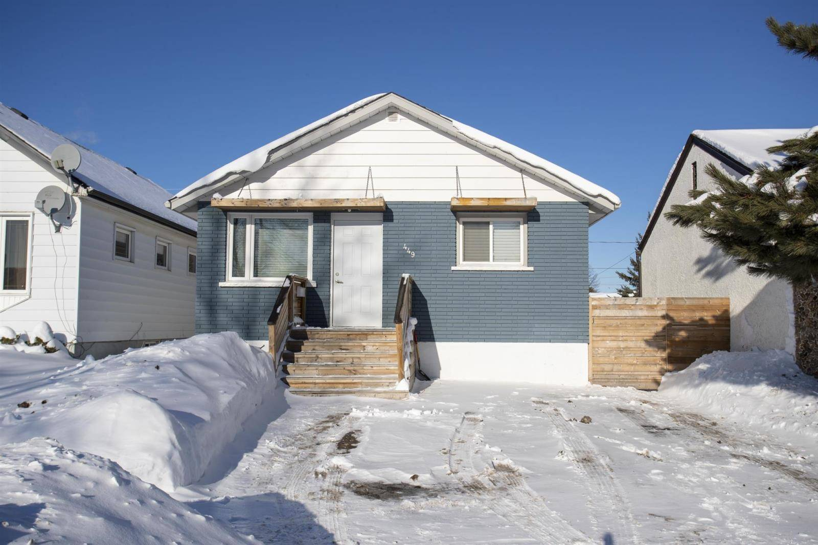 House for sale at 449 Christina St E Thunder Bay Ontario - MLS: TB200095