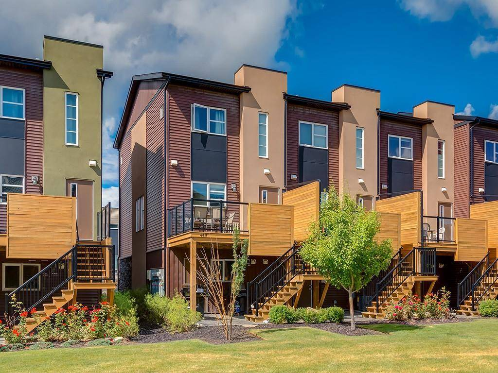 Townhouse for sale at 449 Covecreek Circ Ne Coventry Hills, Calgary Alberta - MLS: C4262991