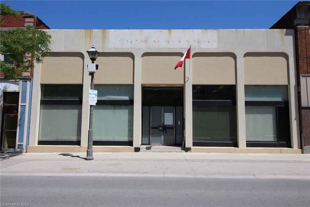 Commercial property for sale at 4491 Queen St Niagara Falls Ontario - MLS: 30810985