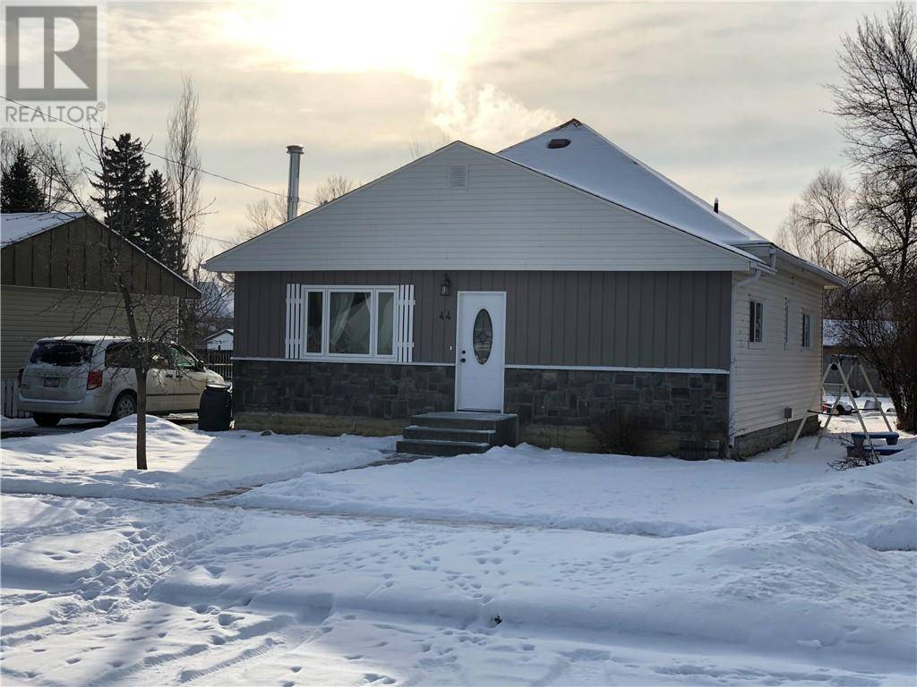 House for sale at 44 Harker Ave Magrath Alberta - MLS: ld0186791
