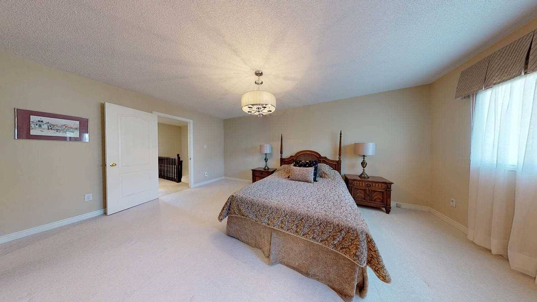 45 190 Harding Boulevard Richmond Hill For Sale