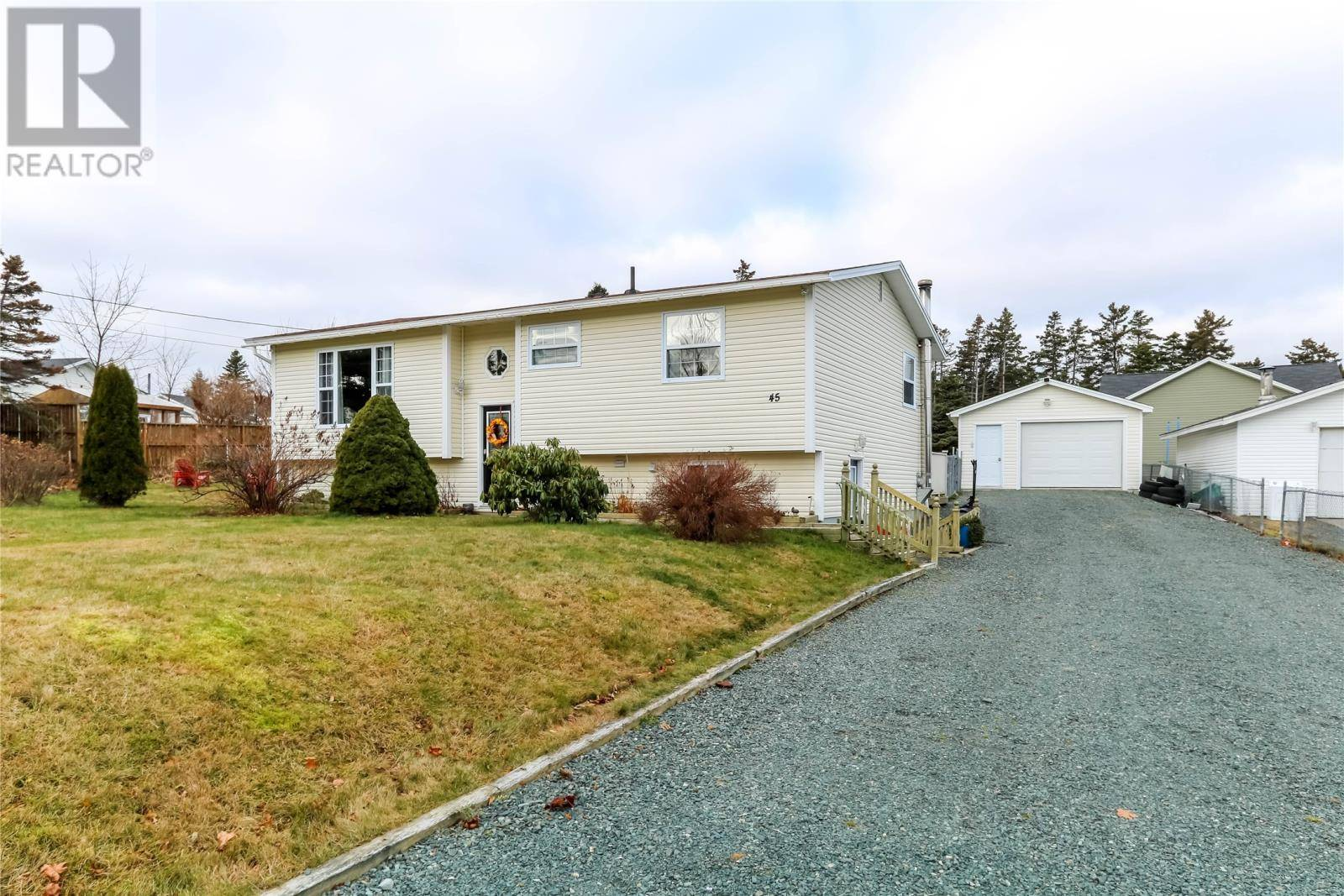 House for sale at 45 Gully Rd Pouch Cove Newfoundland - MLS: 1208826