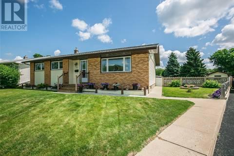 House for sale at 45 Klaehn Cres Saskatoon Saskatchewan - MLS: SK780031