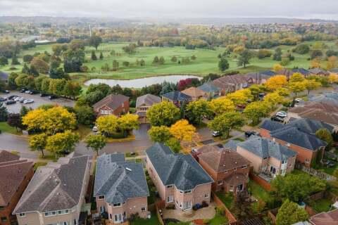 House for sale at 45 Pinnacle Tr Aurora Ontario - MLS: N4937214