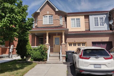 Townhouse for rent at 45 Starhill Cres Brampton Ontario - MLS: W4982655