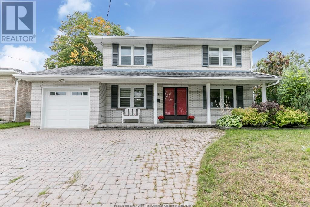For Sale: 45 Steel Street, Barrie, ON | 5 Bed, 2 Bath House for $475,000. See 26 photos!