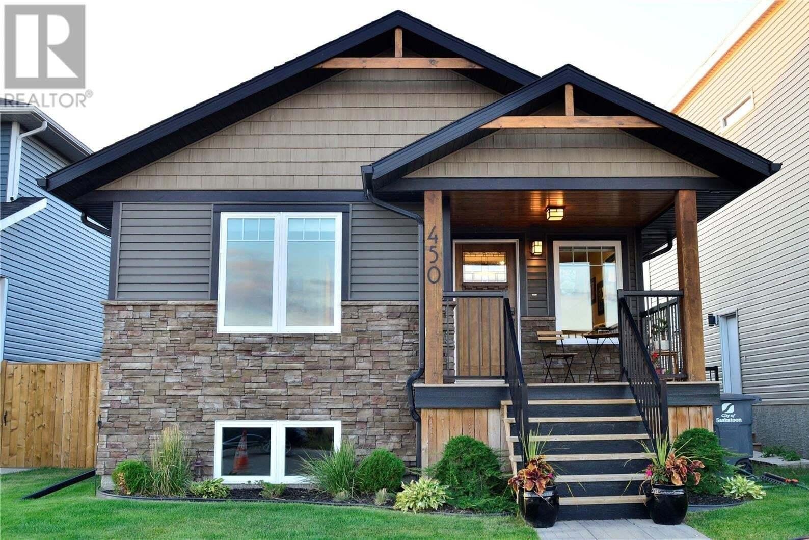 House for sale at 450 Bentley Ct Saskatoon Saskatchewan - MLS: SK809286