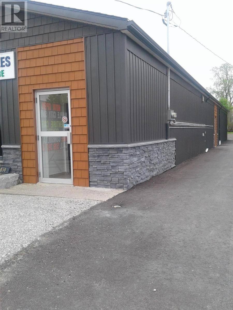 Commercial property for lease at 450 Grand Ave East Chatham Ontario - MLS: 20001605