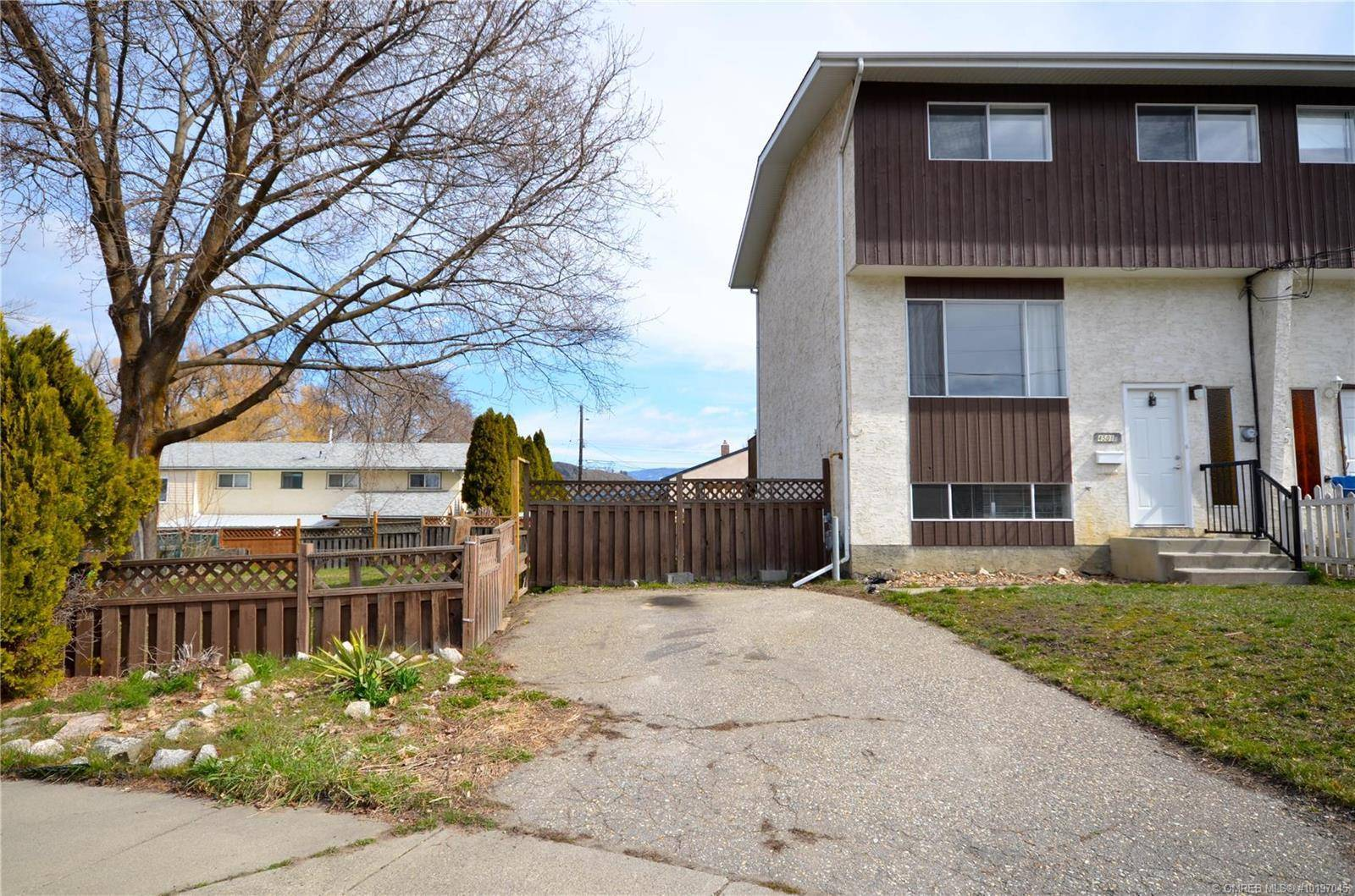 Townhouse for sale at 4501 15 Ave Vernon British Columbia - MLS: 10197045