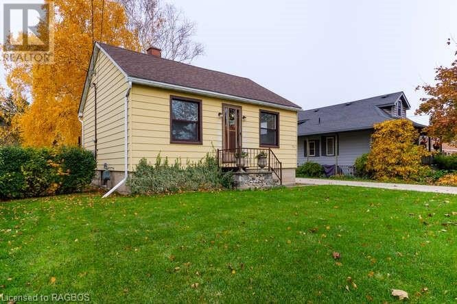 House for sale at 451 8th St West Owen Sound Ontario - MLS: 40038165