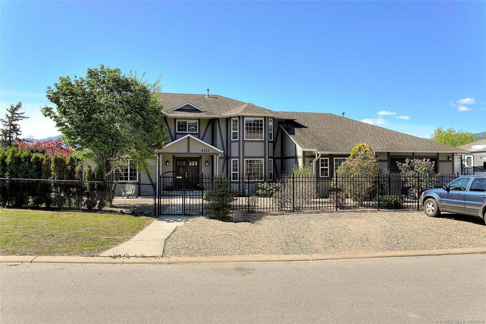 House for sale at 4511 13 St Northeast Salmon Arm British Columbia - MLS: 10205140