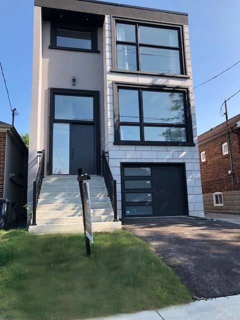 House for sale at 454 Whitmore Ave Toronto Ontario - MLS: W4511638